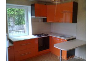 Угловая оранжевая кухня - Мебельная фабрика «Таита»