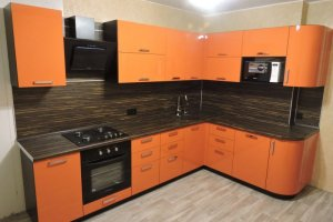 Угловая оранжевая кухня - Мебельная фабрика «Виста»