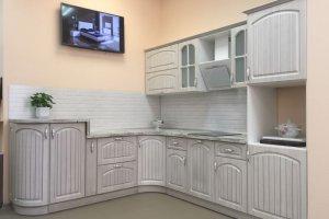 Угловая светлая кухня - Мебельная фабрика «МЭК»