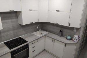 Угловая светлая кухня - Мебельная фабрика «Идея комфорта»