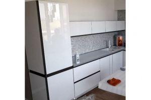 Угловая трехцветная кухня - Мебельная фабрика «Феникс-М»