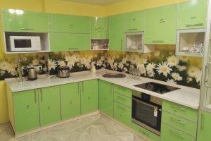Угловая зеленая кухня - Мебельная фабрика «Дэрия»