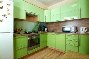 Угловая зеленая кухня - Мебельная фабрика «Ленинградская мебельная фабрика»