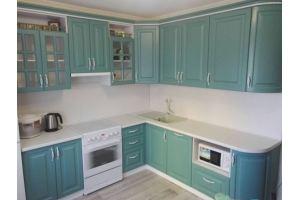 Угловая зеленая кухня Классика - Мебельная фабрика «Дэрия»