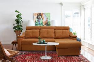 Угловой диван Брук с оттоманкой - Мебельная фабрика «Эльсинор»