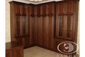 Угловой распашной шкаф в кабинет - Мебельная фабрика «Элмика»