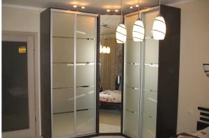 Угловой шкаф-купе - Мебельная фабрика «Анкор»