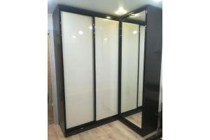 Угловой шкаф-купе с зеркалом - Мебельная фабрика «Ефимовская Слобода»
