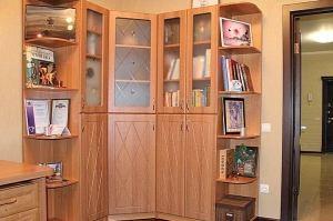 Угловой шкаф в гостиную - Мебельная фабрика «Арт-мебель»
