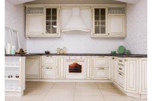 вместительная кухня Тоскана в классическом стиле - Мебельная фабрика «Хомма»