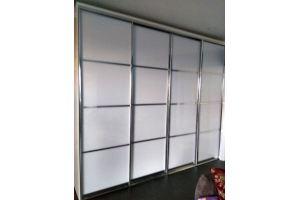Встроенный белый шкаф-купе - Мебельная фабрика «Елиза»