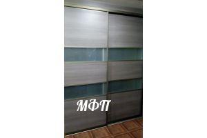 Встроенный шкаф-купе с матовыми стеклами - Мебельная фабрика «Поволжье»