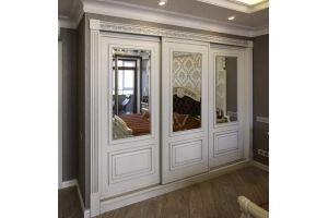 Встроенный шкаф-купе в классическом стиле - Мебельная фабрика «Красивый Дом»