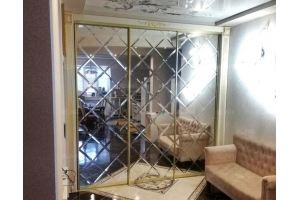 Встроенный шкаф-купе в классическом стиле - Мебельная фабрика «Элна»