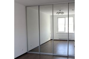 Встроенный зеркальный шкаф-купе - Мебельная фабрика «Елиза»