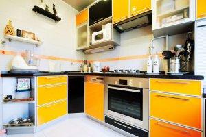 Яркая угловая кухня - Мебельная фабрика «Lakma»