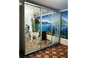 Зеркальный трехдверный шкаф-купе - Мебельная фабрика «ЛюксМебель24»